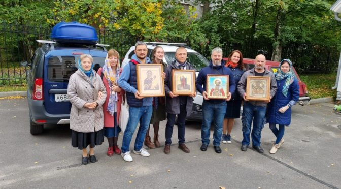 Крестный ход в день памяти Святого Благоверного Князя Александра Невского.